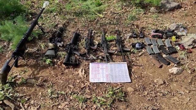 Mehmetçik teröristlere göz açtırmıyor: Irak'ın kuzeyinde çok sayıda silah ve mühimmat ele geçirildi