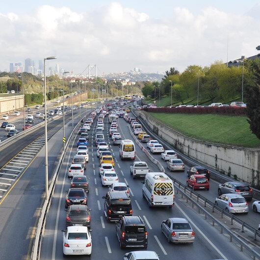 Kısıtlama sonrası 15 Temmuz Şehitler Köprüsünde trafik yoğunluğu