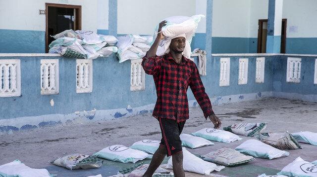 Türk Kızılay'dan Somali'de yerinden edilmiş kişilere ramazan dolayısıyla 700 gıda paketi yardımı