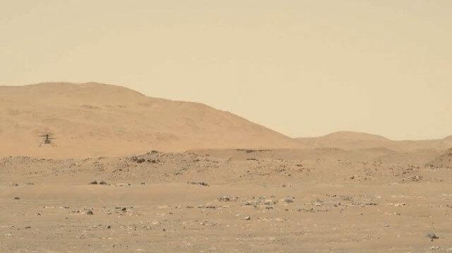 NASA, mini helikopter Ingenuity'nin Mars uçuşuna ait yeni görüntü paylaştı