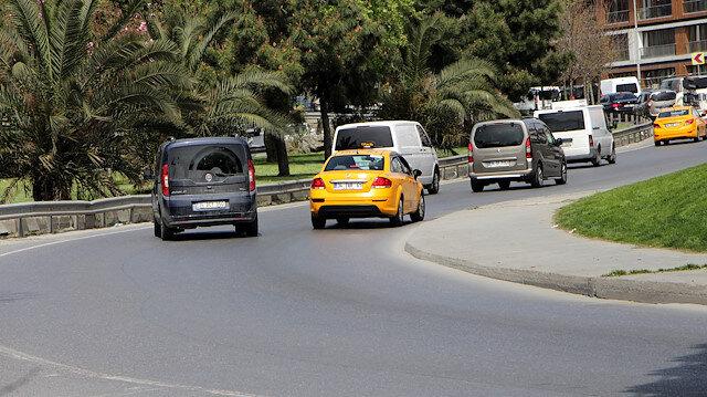 Şişli'de yoğunluktan kaçmak için geri geri giden sürücüler trafiği alt üst ettiler