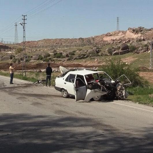 Kayseride 2 otomobil çarpıştı: 2 yaralı
