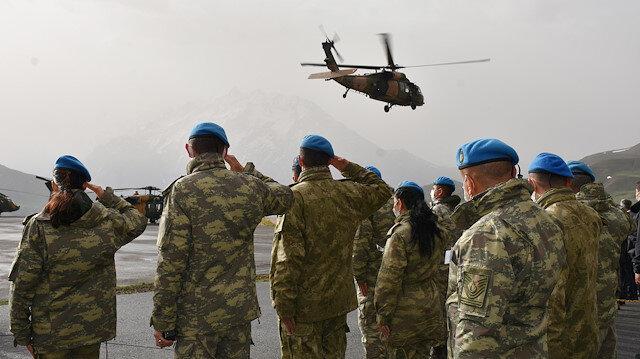 Pençe-Yıldırım Operasyonu'nda şehit olan Teğmen Mehmet Kıvık için Hakkari'de tören düzenlendi