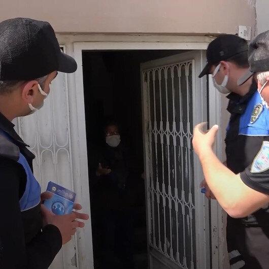 Polis ekipleri maske cezası dolandırıcılığına karşı vatandaşları kapı kapı dolaşıp uyardı