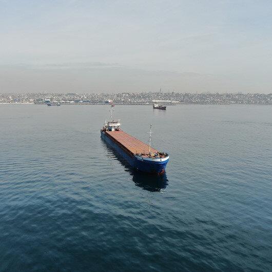 İstanbul Boğazında arızalanan demir-çelik yüklü gemi Ahırkapıya çekildi