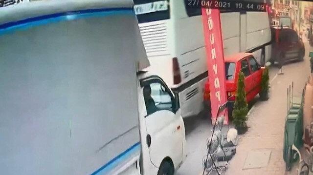 Esenyur'ta yolcu otobüsünün 5 araca çarpma anı kamerada