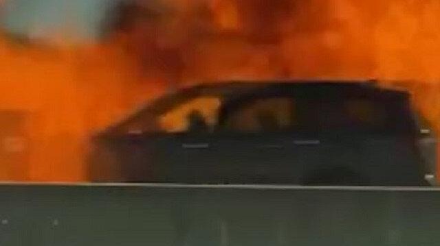 ABD'de yanan otomobilin bomba gibi patlama anı kamerada