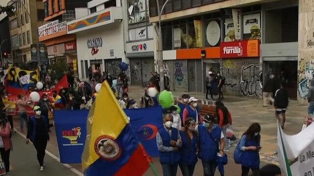 Kolombiya'da ülke genelinde binlerce kişi hükümet karşıtı protestolar için bir araya geldi