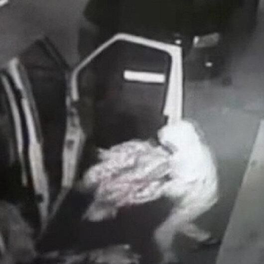 Esenyurtta levyeli hırsızlar kilidi kırıp 30 bin TL'lik kıyafet çaldı