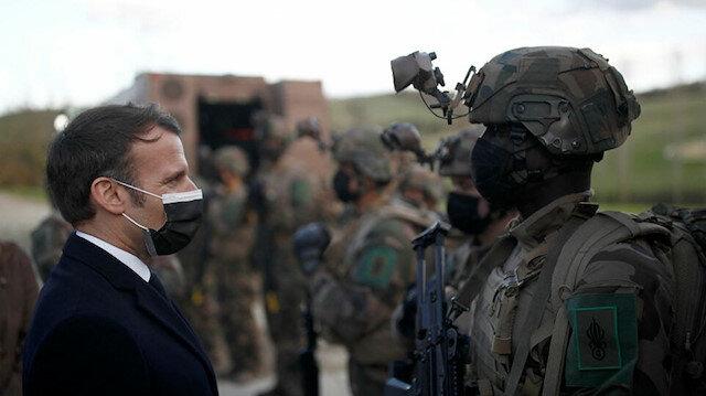 Fransa darbe çağrısı yapan bildiriyi imzalayan askerleri ordudan ihraç etmeye hazırlanıyor