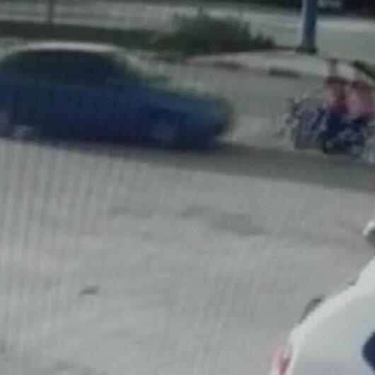 Manisada ters yöne giren motosiklet, otomobille kafa kafaya çarpıştı