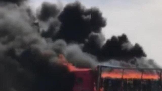 Konya'da seyir halindeki beyaz eşya yüklü TIR'da yangın çıktı