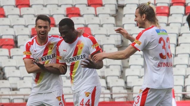 Göztepeli futbolcu Esiti profesyonel kariyerinin ilk golünü attı