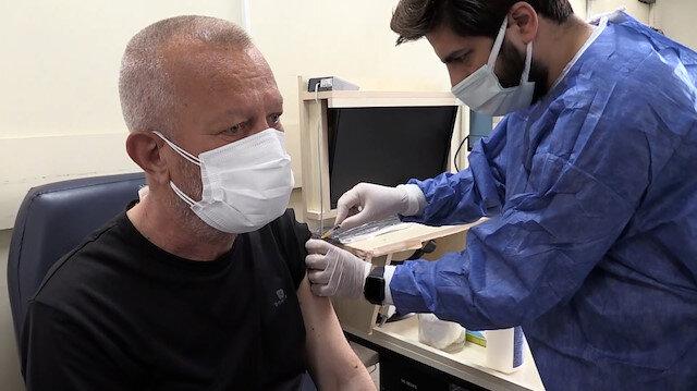 Hastanelerde iftar sonrası aşı mesaisi sürüyor