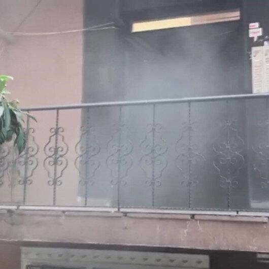 Sefaköyde 5 katlı binada yangın çıktı: Apartmandaki vatandaşlar tahliye ediliyor