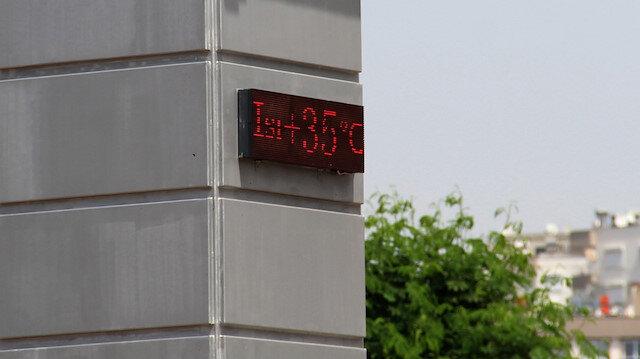 Antalya'da termometreler 35 dereceyi gösterdi