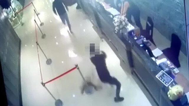 Tayvan'da görülmemiş hesaplaşma: Restorana hamam böcekleriyle saldırdılar