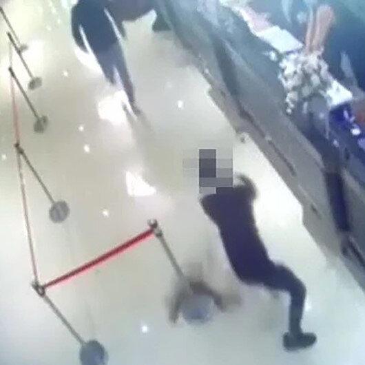 Tayvanda görülmemiş hesaplaşma: Restorana hamam böcekleriyle saldırdılar
