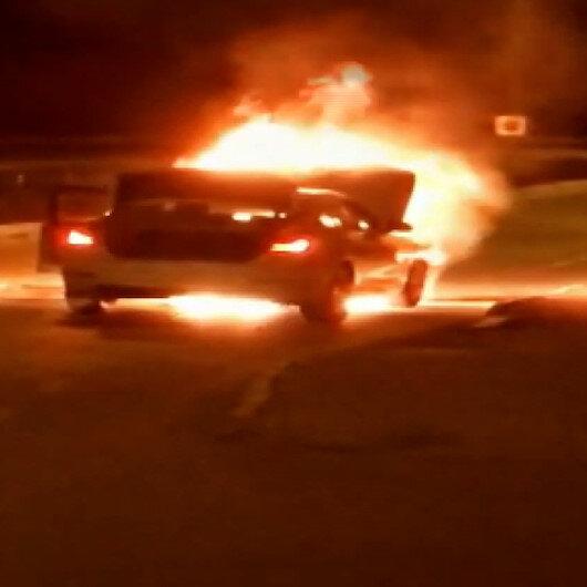Ataşehirde yangın: Lüks otomobil küle döndü