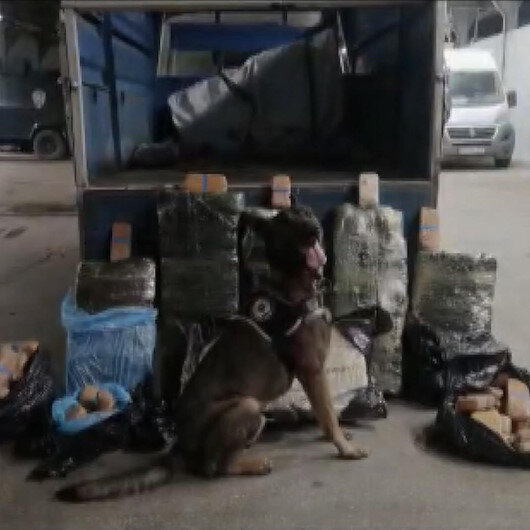 Vanda bir kamyonette 216 kilo 100 gram eroin bulundu