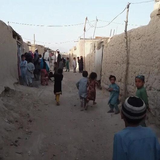 Pakistandaki sığınmacılar hayatlarını zor şatlarda sürdürüyor
