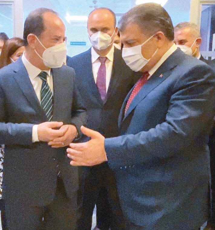Fahrettin Koca'nın Edirne'de yaptığı toplantıya Belediye Başkanı Recep Gürkan da katıldı.