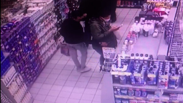 Şişli'de mağazadaki kadının cebinden cep telefonunu böyle çaldı