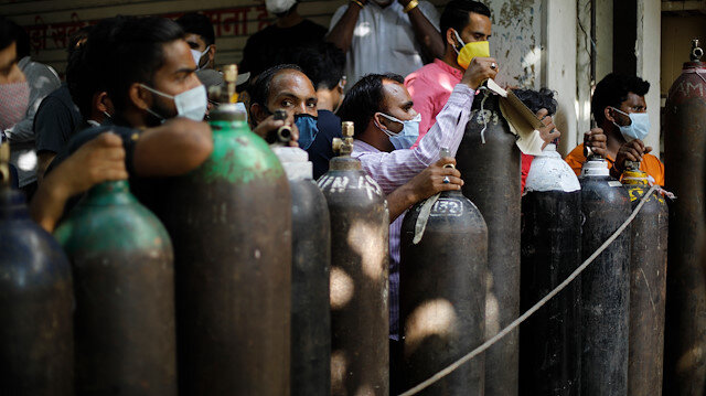 Hindistan'da oksijen krizi büyüyor