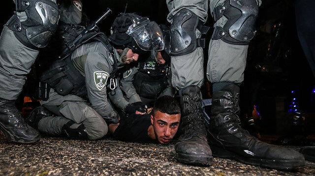 Doğu Kudüs'te insanlık dışı görüntüler: İşgalci İsrail güçleri yine Filistinlilere saldırdı