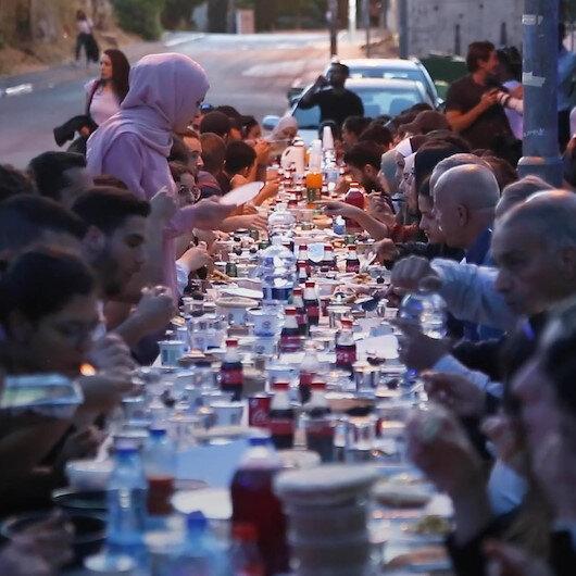 Kudüste Şeyh Cerrah mahallesi sakinlerine destek için toplu iftar düzenlendi