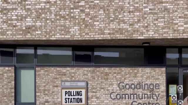 İngiltere'de yerel seçimler için oy verme işlemi başladı