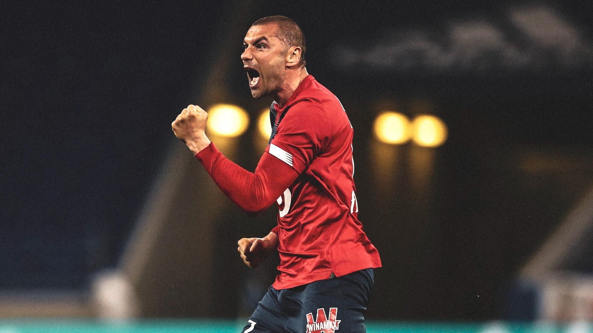 Burak Yılmaz, Tony Cascarino'yu geride bırakarak 37 yıl 9 ay sonra Ligue 1'de 10 gol barajını aşan en yaşlı golcü (35) unvanını aldı.
