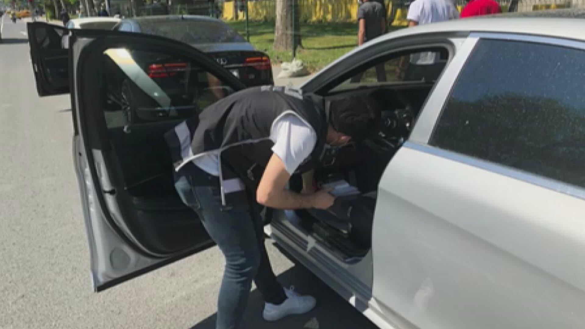 Operasyonlarda ele geçirilen otomobiller İstanbul Emniyet Müdürlüğünde sergilendi.