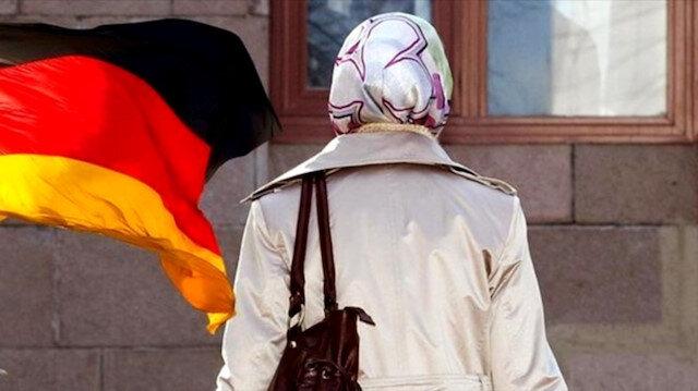Almanya'da 'başörtüsü' krizi: Yasal düzenleme Meclis'te onandı