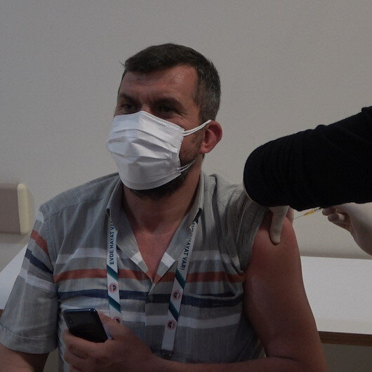 Aşı programında öncelikli gruba dahil edilen muhtarlarda aşı heyecanı