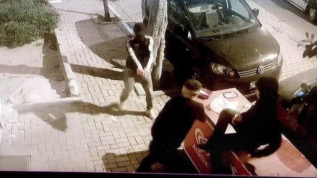 Avcılar'da silahlı saldırı anı kamerada