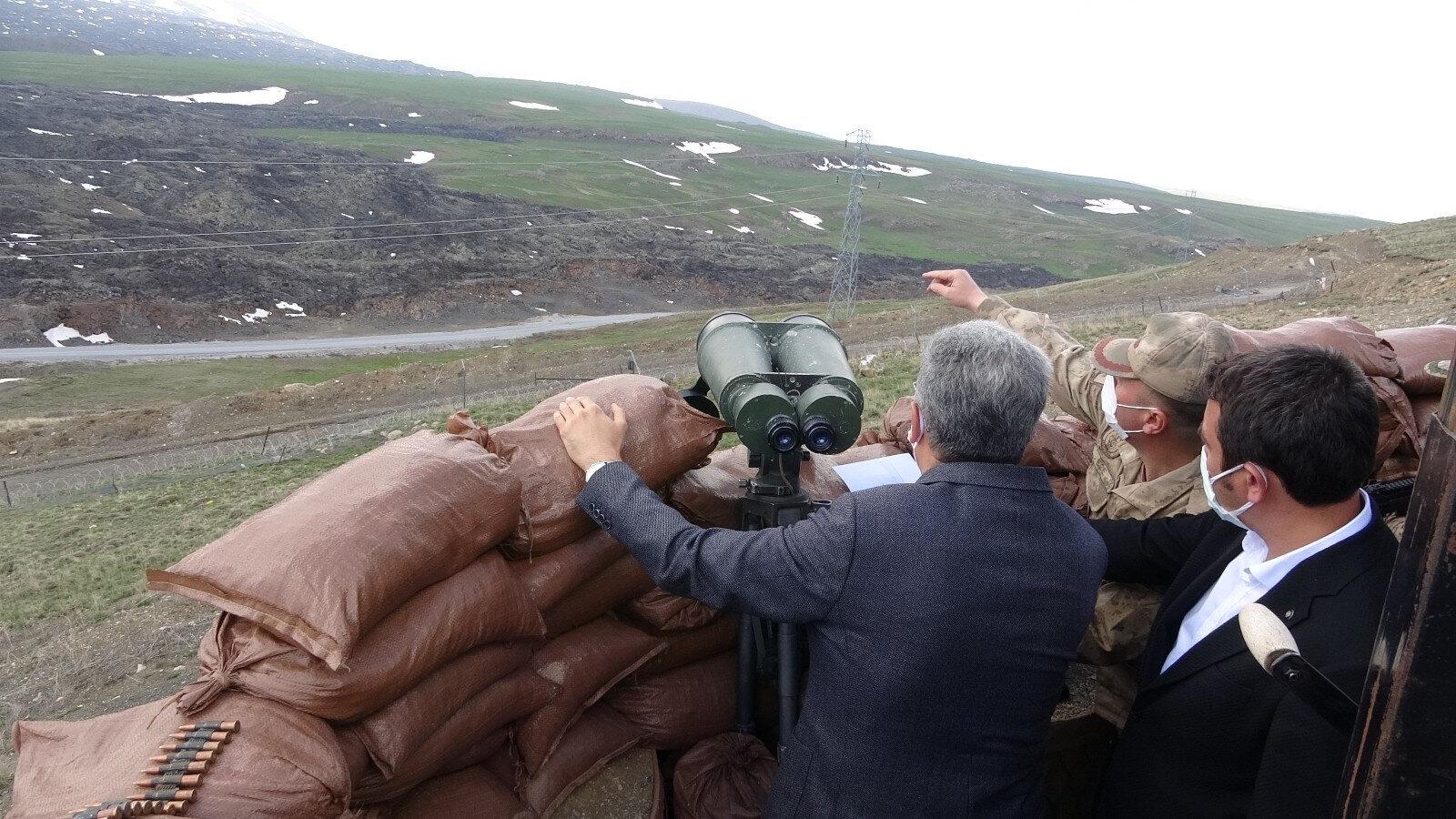 64 kilometrelik güvenlik duvarıyla teröristlerin sızma girişimleri önlenecek.
