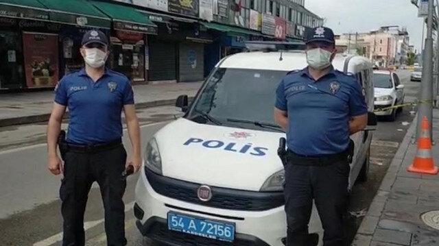 Sakarya'da sokaklarda görev başındaki polisler anneleri unutmadı