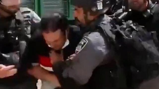 İşgalci İsrail polisi Mescid-i Aksa'da AA kameramanına saldırdı