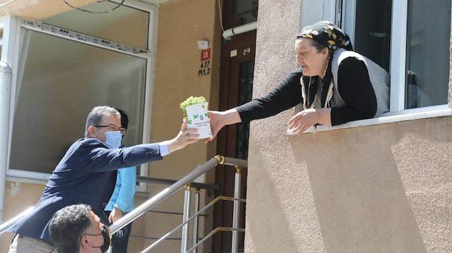 Eyüpsultan'da Anneler Günü çiçeklerle kutlandı