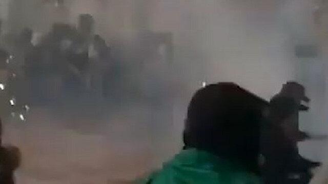 İşgalci İsrail güçleri Kıble Mescidi'ndeki Müslümanlara plastik mermi ve ses bombalarıyla saldırdı
