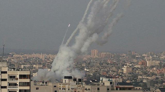 İsrail kana doymuyor: Gazze'de savaş uçaklarının vurduğu binada 2 Filistinli can verdi