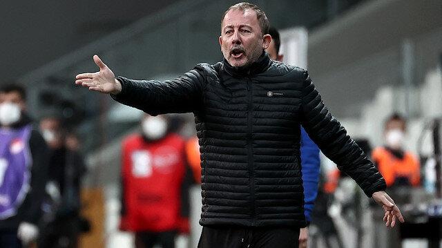 Beşiktaş-Karagümrük maçında Sergen Yalçın'ı çıldırtan karar