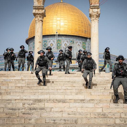 İşgalci İsrail polisi Mescid-i Aksa'ya destek gösterilerine katılan 98 İsrail vatandaşı Filistinli'yi gözaltına aldı