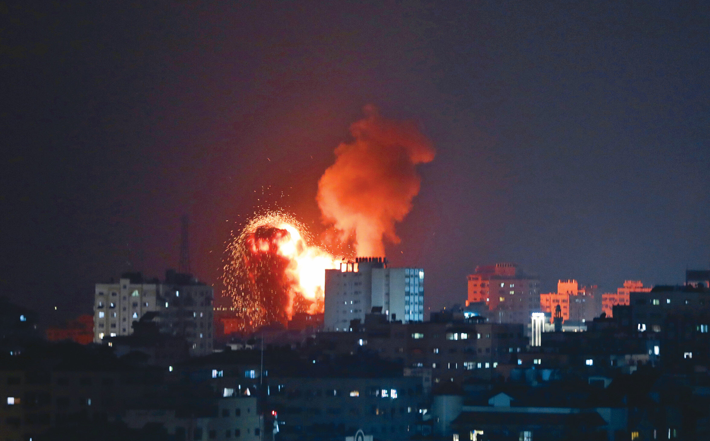 İsrail uçaklarının bombardımında sivil yerleşimin çok yoğun olduğu Beyt Hanun ve Cibaliya mahalleleri hedef alındı. Saldırılarda 20 şehidin yanı sıra onlarca Filistinli de yaralandı.