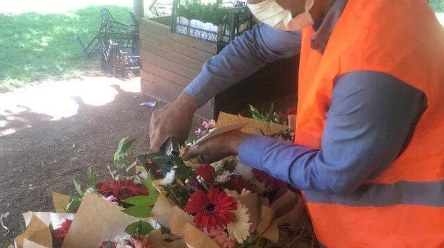 Gaziantep Belediyesi Ramazan Bayramı öncesi şehit ve gazi ailelerine çiçek dağıttı