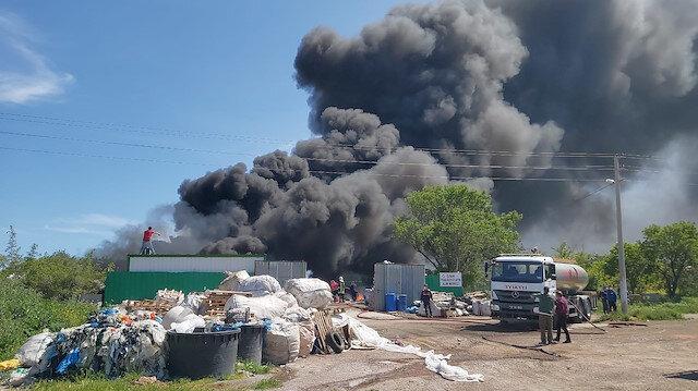 Çanakkale'de atık merkezinde dev yangın
