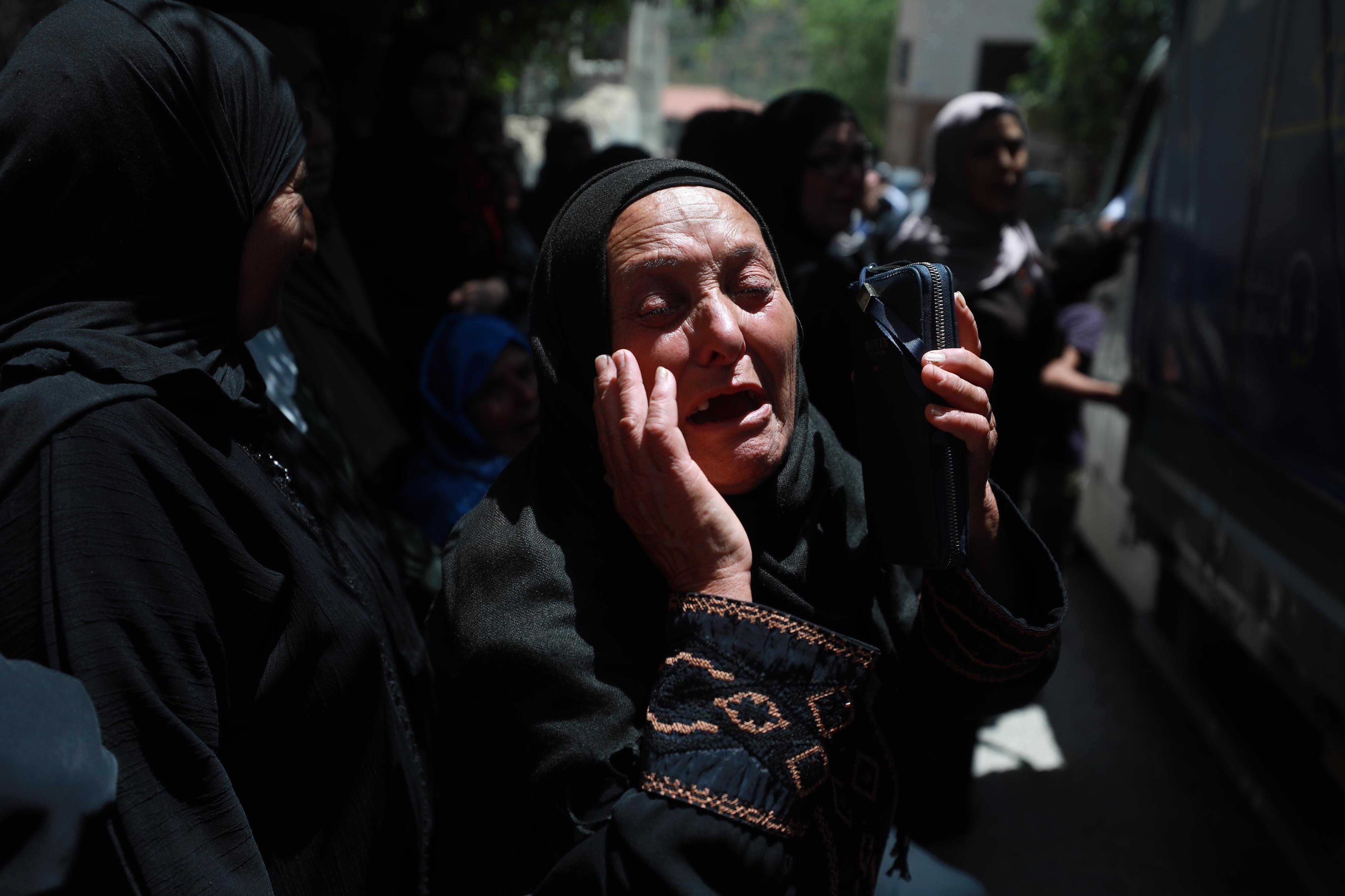 Gazze'de İsrail'in hava saldırıları nedeniyle 53 kişi şehit oldu.