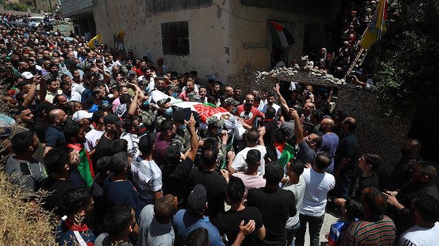 Batı Şeria'da düzenlenen cenaze törenlerinde İsrail'e öfke