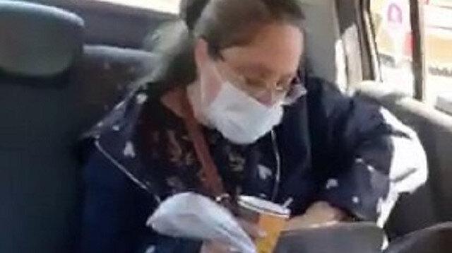 Kadıköy'de takside çay içen müşteriden taksiciye tehdit: Sana gereken dersi verecekler